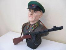 Бюст советского бойца с ппш