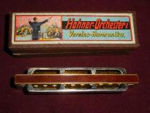 Губная гармошка фирмы M. Hohner.