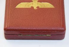Медаль ордена Германского орла в серебре.